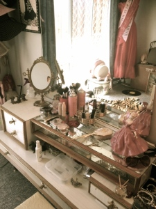 My makeup set up for today.