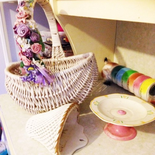 Floral vintage basket, vintage wall planter and 1950's treats plate.